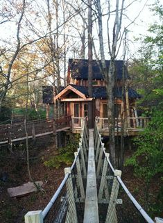 this is the bridge they built for the treehouse master show at kevin mooneys