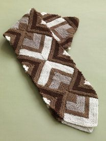 Mitered Scarf in Lion Brand Wool-Ease - 80802
