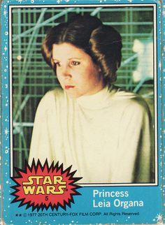 1977 Topps Star Wars Card Blue Series #5 Princess Leia Organa