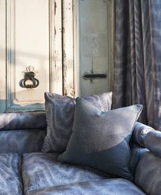 Moire Textiles, Throw Pillows, Bed, Home, Toss Pillows, Cushions, Stream Bed, Ad Home, Decorative Pillows
