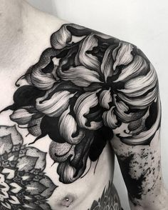 Most Beautiful Shoulder Tattoos for Women shoulder tattoo design, shoulder sexy tattoos, shoulder flower tattoos, small shoulder tattoo ideas, lace tattoos Back Tattoos, Future Tattoos, New Tattoos, Body Art Tattoos, Tattoos For Guys, Sleeve Tattoos, Tattoos For Women, Cool Tattoos, Black Sleeve Tattoo