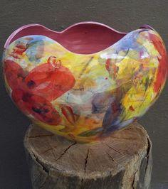 Florero en cerámica, ¿Qué tal este, tipo manzana y expresionista? Ceramic vase, how about this expressionist apple and  type?