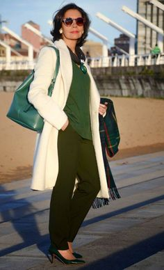Super Womens Fashion Over 60 Outfits Capsule Wardrobe Ideas Mature Fashion, Fashion For Women Over 40, 50 Fashion, Plus Size Fashion, Fashion Outfits, Fashion Trends, Fashion Boots, Capsule Outfits, Capsule Wardrobe