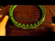 (2) Figure 8 Stitch As A Brim Or As A Cuff - YouTube Loom Knitting Stitches, Spool Knitting, Knifty Knitter, Loom Knitting Projects, Knitting Videos, Loom Hats, Loom Knit Hat, Knitted Hats, Knit Crochet