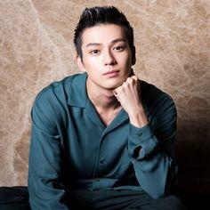 Mackenyu 真剣佑 Cute Japanese Boys, Japanese Love, Korea, Just Beauty, Asian Actors, Most Beautiful Man, Asian Men, Handsome Boys, Cute Boys