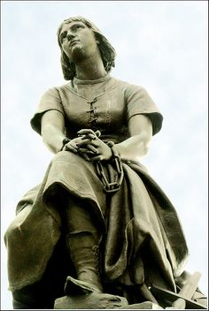 80- Picardie- Le Crotoy- Jeanne d'Arc enchainée | Flickr - Photo Sharing!