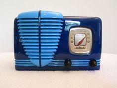 VINTAGE 1940s MOTOROLA ART DECO OLD BAKELITE RADIO