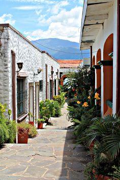 Colores. Coatepeque, El Salvador