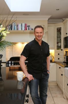 Latest celebrity interviews, gossip and entertainment from Cheshire Life Russel Watson, Celebs, Celebrities, Men Casual, Sweet Dreams, Gossip, Singers, Opera, People