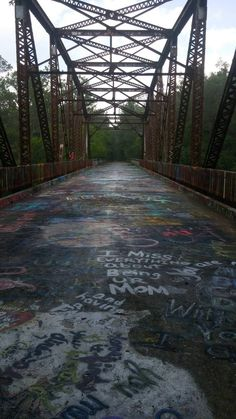 [OC] Abandoned FL Bridge Covered in Years of Graffiti [4160x2340] - Imgur