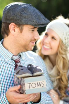 announcing our pregnancy/Christmas card   photo credit: @Lindsey Gage-Eyelet Images