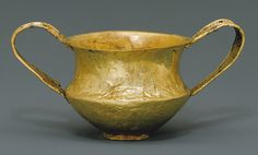 Gold kantharos (drinking cup with two high vertical handles) [Mycenaean] 1550 to 1500 B.C. | Heilbrunn Timeline of Art History | The Metropolitan...
