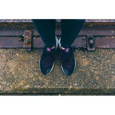 new concept 3ffbc 3de18 Zapatillas Adidas ZX Flux ADV Asym Primeknit Negras fluorescent Rosas  Blancas