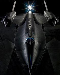 Lockheed SR-71 Blackbird #military #armedforces #aircraft #airforce #aviation #lockheed #sr71 #blackbird