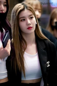 Yuri, Secret Song, Cute Games, Ulzzang Korean Girl, Japanese Girl Group, Famous Girls, Games For Girls, The Wiz, Korean Beauty