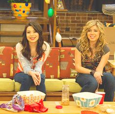 #iCarly  #JennetteMcCurdy  #MirandaCosgrove