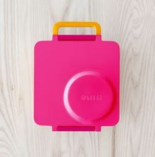 OmieBox is a thermal-insulated, leakproof bento box for kids. It comes with a fully-integrated stainless steel thermos that keeps food warm until lunch time. Bento Box, Lunch Box, Lunch Snacks, Lunches, Stainless Steel Thermos, Keep Food Warm, Kids Boxing, Toddler Meals, School Lunch