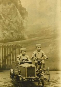 Pedal car and tricycle fun Vintage Children Photos, Vintage Photos, Soap Box Derby Cars, Automobile, Kids Ride On, Pedal Cars, Car Images, Cool Bicycles, Vintage Toys