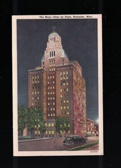 C 1940 The Mayo Clinic By NIght Rochester Minnesota Post Card - Plummer Building
