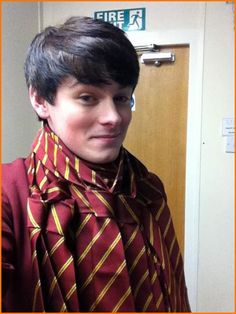 "Brad Lewis Kavanagh Wears 32 ""House Of Anubis"" Ties And Snaps A Photo For Fans"