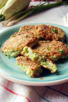 Кабачковые оладьи Salmon Burgers, Lunch, Ethnic Recipes, Food, Eat Lunch, Lunches, Meals