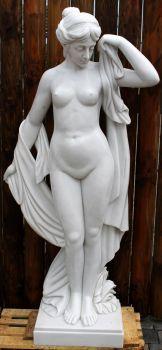 Skulptur aus weißem Marmor