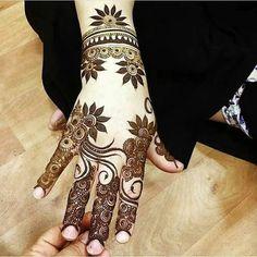 57 Ideas Tattoo Back Flower Henna Khafif Mehndi Design, Henna Art Designs, Mehndi Designs 2018, Stylish Mehndi Designs, Mehndi Designs For Girls, Mehndi Designs For Beginners, Dulhan Mehndi Designs, Mehndi Design Pictures, Wedding Mehndi Designs