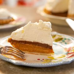 """Chocolate Marshmallow Pumpkin Pie (Thanksgiving Shortcuts) - """"The Pioneer Woman"""", Ree Drummond on the Food Network. Chocolate Pumpkin Pie, Chocolate Pies, Chocolate Ganache, Pumpkin Spice, Ree Drummond, Best Thanksgiving Recipes, Holiday Recipes, Holiday Treats, Thanksgiving Dinners"""