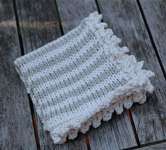knit washcloth with crochet edge