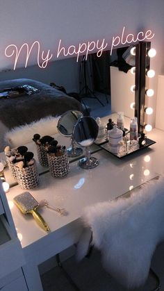 26 makeup room ideas to brighten up your morning routine - 26 makeup room ideas . - 26 makeup room ideas to brighten your morning routine – 26 makeup room ideas to brighten your mor - Cute Room Ideas, Cute Room Decor, Teen Room Decor, Room Ideas Bedroom, Bedroom Inspo, Bedroom Furniture, Furniture Ideas, Bling Bedroom, Budget Bedroom