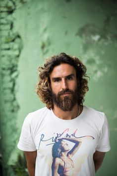 Peruvian bohemian surfer in Ubud, Bali. Epic beard. Get the free travel photography e-book at The Zen Photographer!