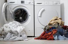 7 Tips Memilih Mesin Cuci Laundry yang Murah, Awet dan Berkualitas Doing Laundry, Laundry Hacks, Front Load Washer, Household Cleaners, Household Tips, Wash N Dry, Useful Life Hacks, Washing Machine, Vinyl Decals