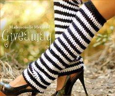 Legwarmers are HOT. I'm going to crochet myself a pair....
