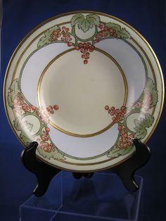 Hermann Ohme Silesia Arts & Crafts Grape Motif Bowl (c.1900-1918)