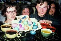 Coloring Easter eggs in 1965