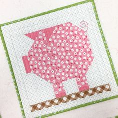 Penny Pig Quilt Kit - 66 x 70 (Farm Girl Vintage) Farm Animal Quilt, Farm Quilt, Quilting Projects, Quilting Designs, Sewing Projects, Small Quilts, Mini Quilts, Quilt Block Patterns, Quilt Blocks