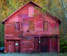 "danaaallen:    Multi Colored Barn - The Source of ""Blue Minor"" by Professor Bop on Flickr."
