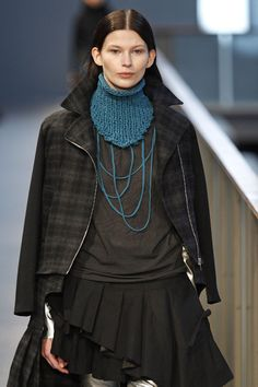 Is it a cowl, a bib, who cares it's really cool and I'm making one this afternoon!. TXELL MIRAS AW 14