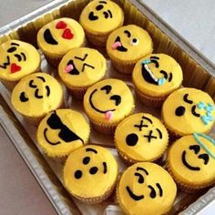 Emoji cupcakes i wanna try these sooo badly. :p- Emoji cupcakes i wanna try these sooo badly…. :p Emoji cupcakes i wanna try these sooo badly…. Cupcake Emoji, Deco Cupcake, Cupcake Wars, Emoji Poop Cake, Party Emoji, Party Party, Party Snacks, Cupcake Tumblr, Cute Cakes