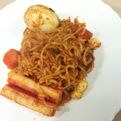 My first time cooking #rabokki #라볶이 ! #koreanfood Very easy and very good! Unfortunately without rice cake