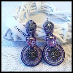 Soutache Ohrringe mit Knopf Chanel(beschriftet Logo CC) von BeadStArt auf Etsy