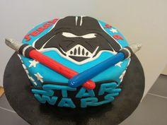 Precio: 45 €     Esta tarta la hice para un cumpleaños cuya temática era Star Wars. Les gustó mucho una de Darth Vader y me pidie...