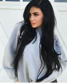 It's 2019 I think everyone knows Kylie Jenner , Yeah the self made billionaire , businesswomen and model . Kylie is from Kardashian's family and the founder and owner of cosmetic company Kylie Cosmetics. She is mostly known by American media personality . Kylie Jenner Outfits, Kendall Y Kylie Jenner, Trajes Kylie Jenner, Kylie Jenner Style, Kylie Jenner Long Hair, Kylie Jenner Hair And Makeup, Kylie Jenner Haircut, Kylie Hair, Khloe Kardashian
