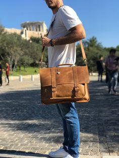 Laptop Briefcase, Laptop Messenger Bags, Briefcase For Men, Leather Briefcase, Laptop Bag, 17 Laptop, Brown Leather Messenger Bag, Leather Bags, A 17