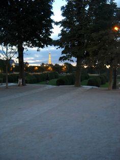 Oświetlony symbol Paryża