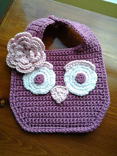 Crochet Owl baby girl Bib girl_msg- There wasn't a pattern here but I'm pinning it for inspiration until I can find one or make one up because this is too cute! Owl Crochet Patterns, Crochet Owls, Crochet Crafts, Baby Patterns, Crochet Projects, Crochet Appliques, Apron Patterns, Clothes Patterns, Crochet Ideas
