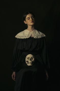 now-here — Romina Ressia Dark Photography, Portrait Photography, Fashion Photography, Witch Aesthetic, Aesthetic Art, Classical Art, Dark Beauty, Dark Art, Inspiration