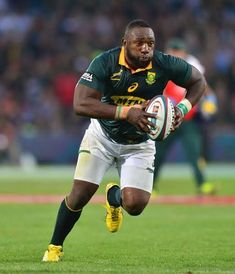 'Beast' Tendai Mtawarira, probably the best prop to ever run on to a rugby field. An absolute legend of the game! International Rugby, World Cup Final, All Blacks, Rugby World Cup, Looking For A Job, Supersport, Play Soccer, African History, Finals