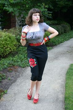Beautiful fitted ensemble - great color scheme! ...from Vixen Vintage