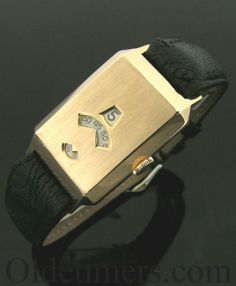 A rare 18ct gold rectangular vintage Jump-Hour watch, 1930